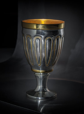 CUP FOR WINE WITH ANTIQUE MOTIF